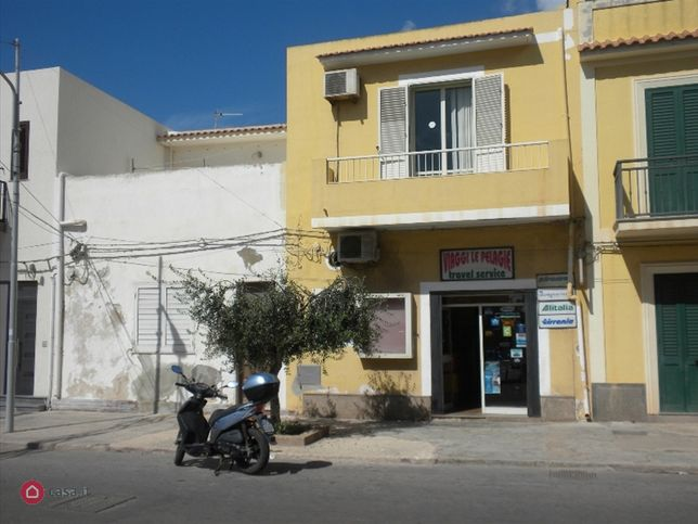 Locale commerciale in affitto a lampedusa e linosa via for Locale commerciale affitto roma