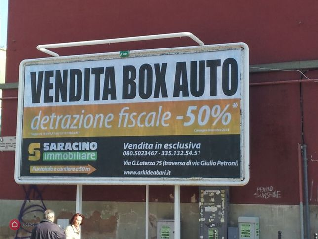Garage box auto in vendita a bari via laterza 30606843 for 4 case di garage per auto in vendita