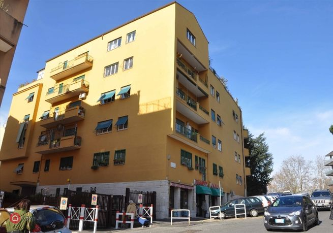Locale commerciale in affitto a roma 32371620 for Affitto roma locale