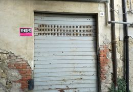 Garage/Box Auto in Vendita: Caltanissetta Garage/box auto Via Narese 86, Caltanissetta