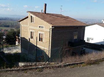 Casa indipendente in via del castagno a Deruta su Casa.it