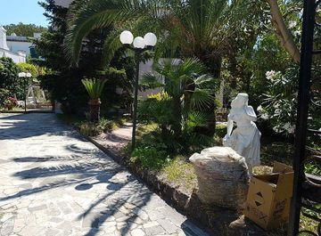 Appartamento in Via delle Ginestre 22 a Ischia su Casa.it