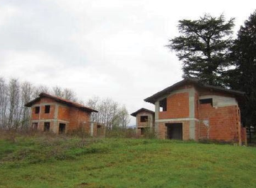 Terreno edificabile in Via Volta, sc a Besozzo su Casa.it