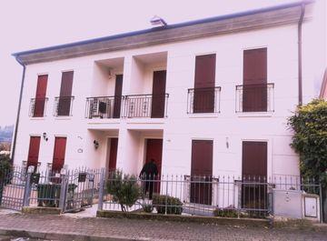 Casa Bi/Trifamiliare in VIA VILLA 79 a Longare su Casa.it