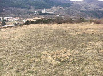 Terreno edificabile in Via fiume a Castelpetroso su Casa.it
