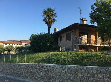 Casa Bi/Trifamiliare in zona Rua a San Pietro di Feletto su Casa.it