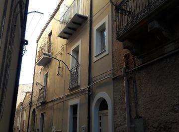 Casa indipendente in zona Centro storico - zona centrale a Enna su Casa.it