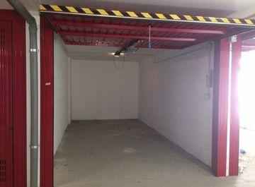 Plafoniere Garage : Garage box auto in affitto a roma zona marconi ostiense san