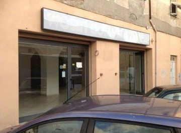 Immobili commerciali in affitto a civitavecchia for Affitto immobili commerciali roma
