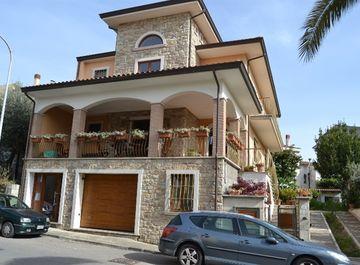 Casa indipendente a San Giorgio del Sannio su Casa.it