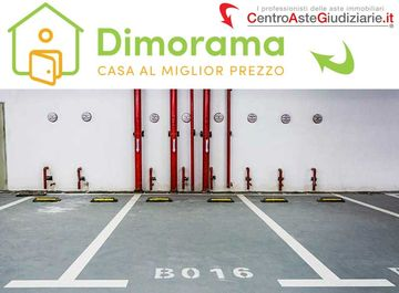 Garage/Box auto in Via Togliatti n. 36/40 e n. 51/55 a Rho su Casa.it
