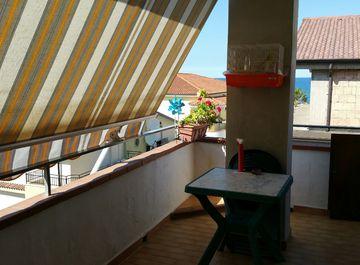 Appartamento a Crucoli su Casa.it