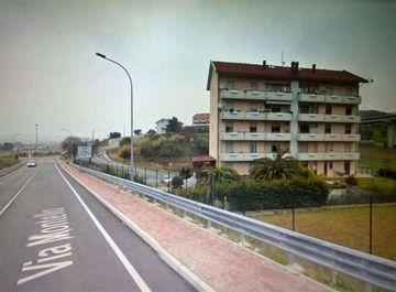 Palazzo in Via dell'Acquedotto 70 a Chieti su Casa.it