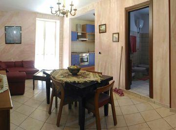 Appartamento in zona Poggioreale a Napoli su Casa.it