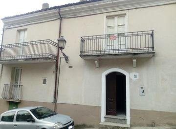 Casa indipendente a Calvello su Casa.it