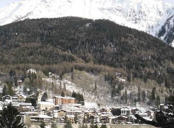 Appartamento in zona Dolonne (Dolénna) a Courmayeur su Casa.it