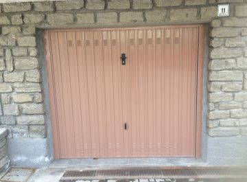 Garage/Box auto in Via Pellissier 9 a Chatillon su Casa.it