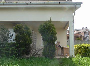 Villetta a schiera in Via Bassano del Grappa Snc a Ardea su Casa.it