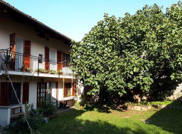 Casa Bi/Trifamiliare in Via Ernesto Angiono Foglietti 72 a Moncrivello su Casa.it