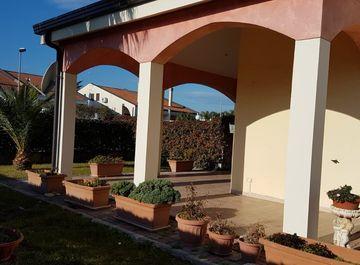 Casa indipendente in Via Calliope 1 a Policoro su Casa.it