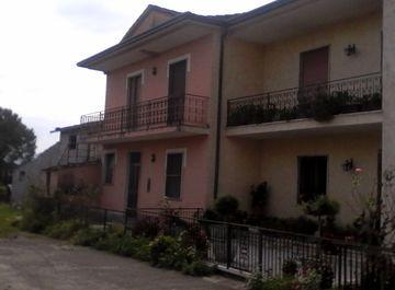 Villa in zona Periferia a Frosinone su Casa.it