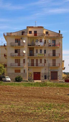 Garage/box auto in vendita Montalbano Jonico