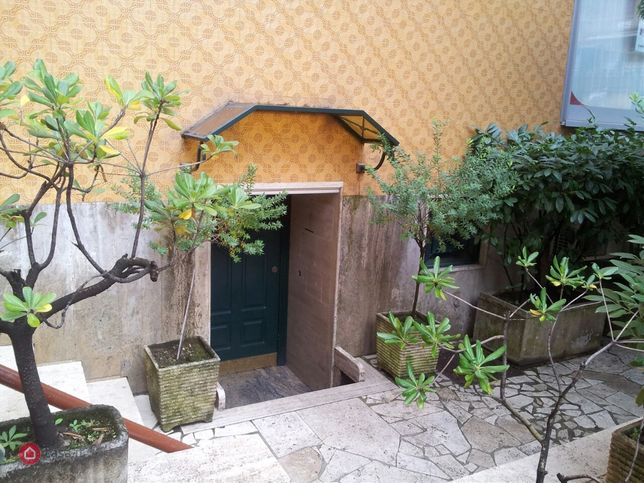 Monolocale in affitto a casoria principe di piemonte 36 for Piano casa di casoria