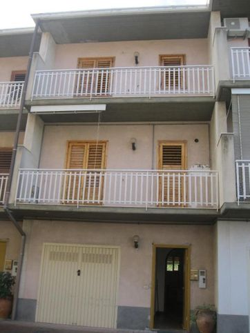 Villetta a schiera in affitto Via Naz.le per Catania, Acireale