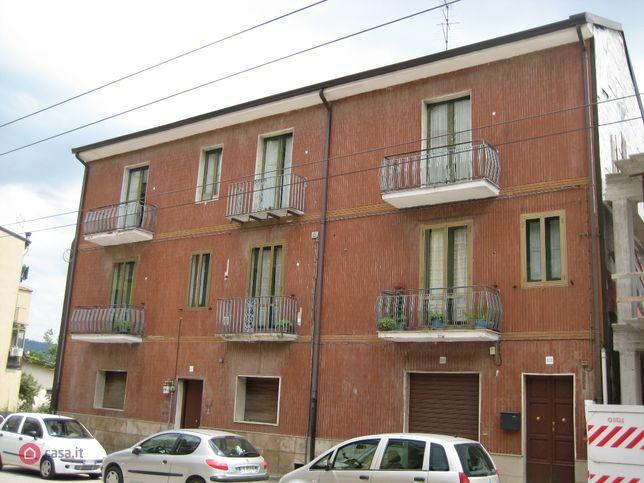 Casa bi/trifamiliare in vendita Via F. Tedesco 522-524-526, Avellino