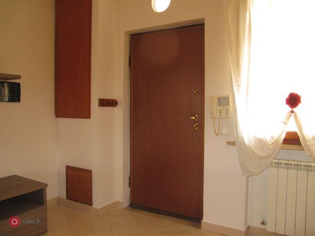 Appartamento in affitto a monterotondo via filippo turati for Affitto ufficio monterotondo