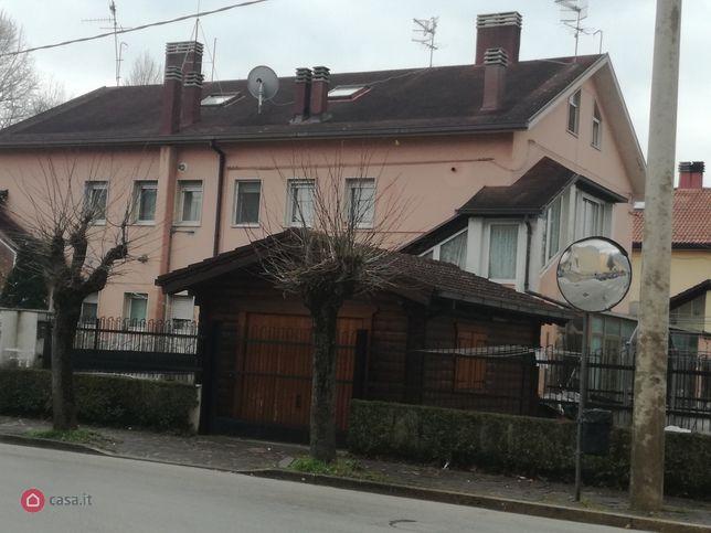 Casa indipendente in vendita via giardini del rio 3, Castel di Sangro