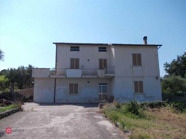 Casa bi/trifamiliare in vendita Via Chiusa, Poggiofiorito