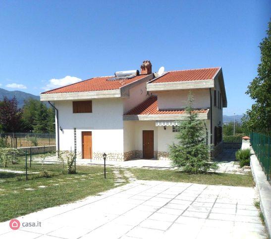 Villa in vendita Isola del Gran Sasso d'Italia