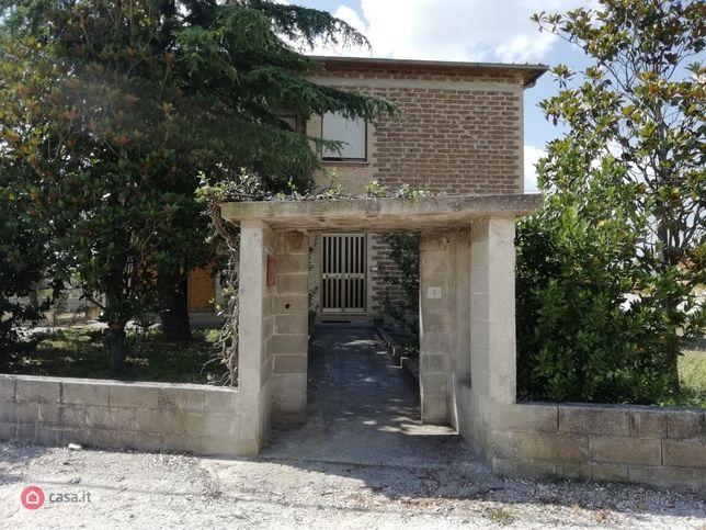 Casa indipendente in vendita a foligno via dei trulli 8 for Casa it foligno