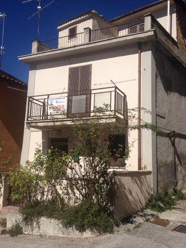 Casa indipendente in vendita piazza Aia , Celano