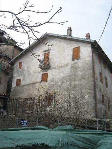 Casa indipendente in vendita VIA VALERIA 46, Tagliacozzo
