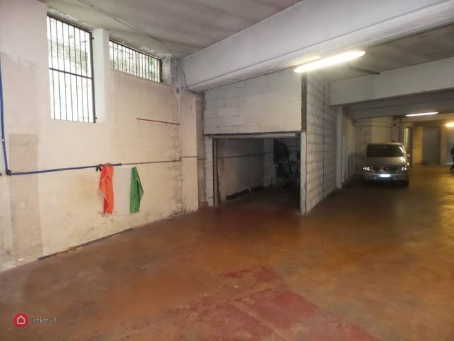 Garage/Box auto in vendita Via Alberto I Re Dei Belgi  11, Monza