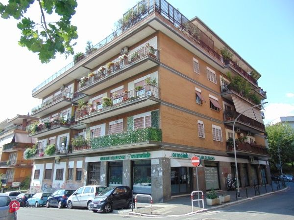 Locale commerciale in vendita a roma 35491414 for Cerco locale commerciale roma