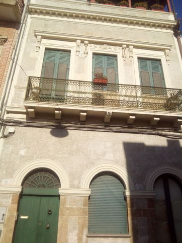 Palazzo in affitto colombo , Brindisi